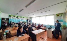 Кочкор районуна караштуу Кара-Суу айылында болуп өткөн медиа сабаттуулук семинары